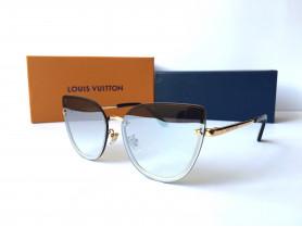 Louis Vuitton Z1128E
